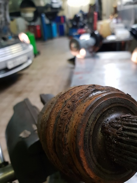 Замена инкрементного колеса приводного вала BMW E83